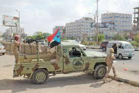 مسؤول حكومي يتسأل عن استمرار الانتقالي بمنع الحامدي من الدخول إلى عدن بعد 3 أشهر على تعيينه
